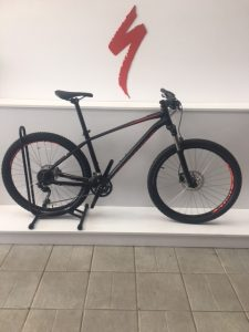 SPECIALIZED PITCH EXPERT 27,5 NEGRA ROJA