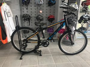 bicicleta niño nera azul y amarillo