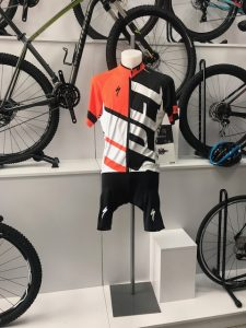 maillot specialized naranja.